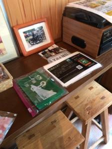 ライダーズブックカフェ「ラビット」にて楽園会さんのグッズを販売開始しました。